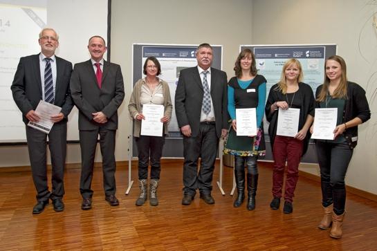 Nach der Preisverleihung: Prof. Dr. Hans-Karl Hauffe (HfWU), Ulrich Nolting (BetonMarketing Süd), Katharina Fischer, Thomas Schneller (Lehrbeauftragter HfWU), Juliane Günzel, Sarah Denzer und Anja Hankele (v.r.n.l.)